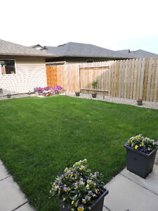 Willowgrove Townhouse (Backyard, DBL Garage, 2 Bed, 2.5 Bath)