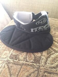 LG-XL hockey neck guard  Kitchener / Waterloo Kitchener Area image 1