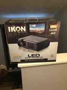 4K Projector and screen
