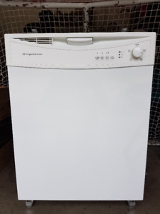 Frigidaire FDB1050RES0 Full Console Dishwasher