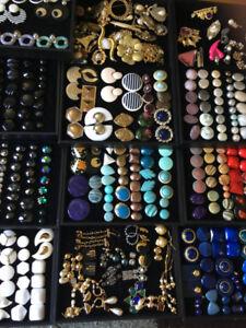 bijoux , portefeuille , sac a main , porte-cle , foulard