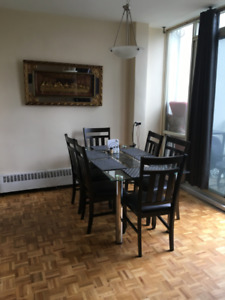 1 room available in a 3 bedroom shared 2 level apt.