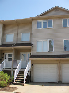Abasand Available Immediately- 3 Bedroom Townhouse
