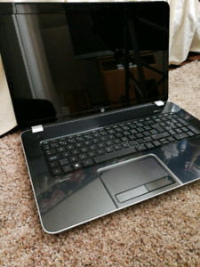 Selling HP Pavilion 17'7 inch laptop