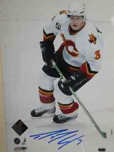 DION PHANEUF Calgary Flames Signed 8 X 10 Photo With COA