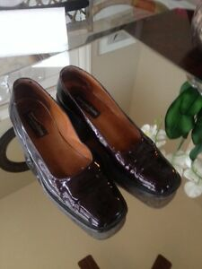 Town shoes size 9