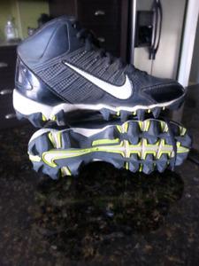 Soulier a crampon Nike,soulier de soccer nike,spike de football