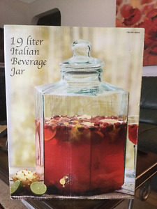19 LITER Glass Italian Beverage Jar with spout