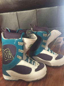 DC girls snowboard boots size 7.5