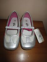 """GIRLS SILVER & PINK """"CHEROKEE"""" SHOES - SIZE 13 - NEW WITH TAG!"""