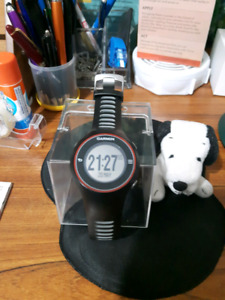 """JUST REDUCED"" GARMIN S3 GOLF GPS WATCH"