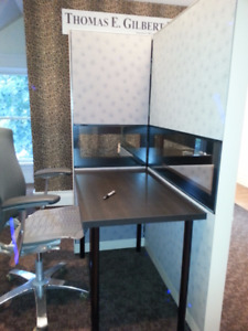 Awesome  work station  1- 4 people    Great Condition Newmarket