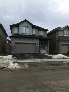4 Bedrooms - Brand New house in Ancaster, Hamilton for Rent