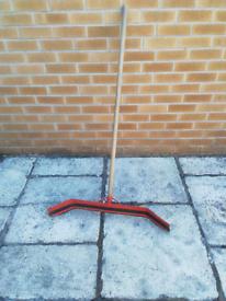 Strange yard clearing tool
