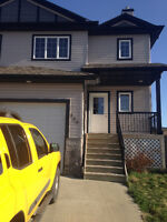 Master bedroom in newly built home 5mins to Commons/Nisku/EIA