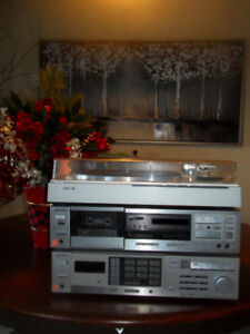 Sony Turntable, EXTRA Needle, Receiver & Cassette Stereo System