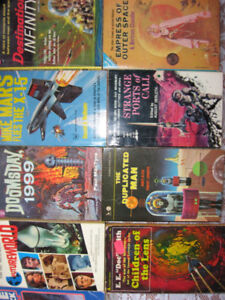 Sci Fi. Pulp and movie vintage paperbacks