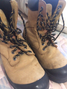 Steel toed boots size 8 30.00 obo