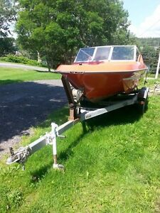 16ft Fibreglass Boat,  Dilly Dual-Axle Trailer & 1978 Mercury 50