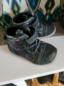 Size 6 girls shoes