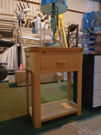 Ex Display Solid Wood Bedside Table with 1 Drawer / End Table / Telephone Table / Lamp Table