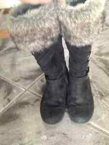 2 pairs of Kenneth Cole girls fancy boots London Ontario image 2
