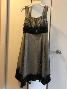 BRAND NEW Beautiful Grad (gr 6 or 8) or Special Occ. Dress