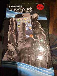 Isotoner SmarTouch Touchscreen Leather Gloves - Medium