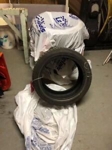 Pneus d'hiver Michelin 225/45R17 à vendre
