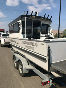 23 ft Alumaweld Fishing boat
