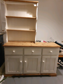 Wood dresser unit