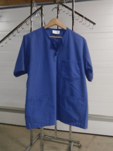 Avida Scrubs Blue in Color 2 pair Worn For School Only Size (M)