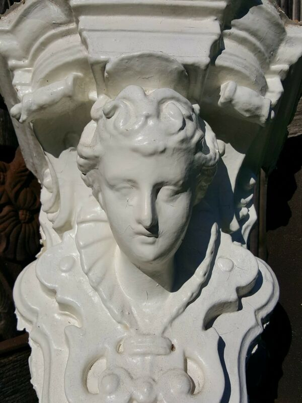 Queen of England Architectural Salvage Antique Stunning Decorative Corbel c1904
