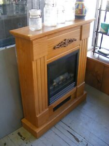 COMPACT OAK ELECTRIC FIREPLACE FREE STANDING OBO