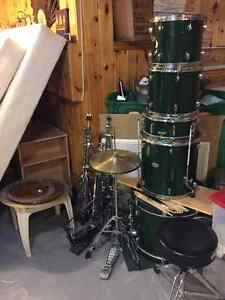 Pearl Forum Drum set and Cymbals looking for a new home