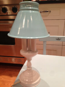 PETITE METAL TABLE LAMP London Ontario image 1