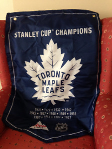 TORONTO MAPLE LEAF STANLEY CUP BANNER