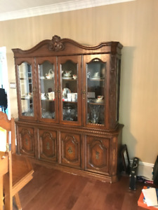 Dining Room Set - complete set and in great condition