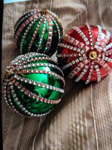 Lumby Christmas Market , designer Wraps , stocking stuffers, Fun