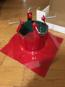 Santa's Solution Supreme Christmas Tree Stand