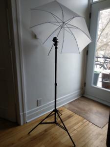 umbrella photo + flash mount + light stand + trigger
