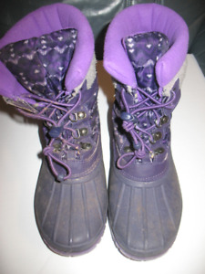Cougar Winter Boots - Size 5