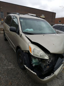 2004 sienna Part out