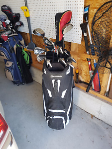 Men's Right Handed Golf Clubs and Bag