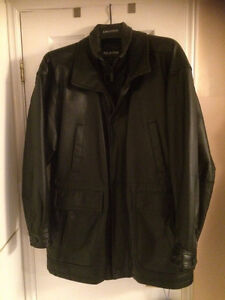 MENS LEATHER COAT SIZE LARGE