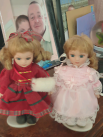 2 portalain dolls