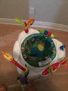 Baby play station Oakville / Halton Region Toronto (GTA) image 2