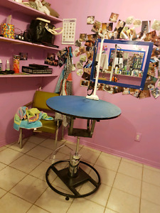 Hydraulic table and grooming table for sale