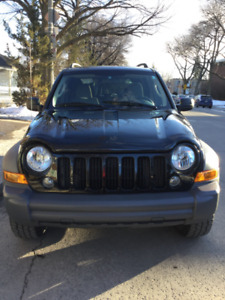 2005 Jeep Liberty  sport 3.7 L 6 cyl.