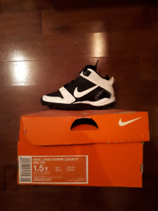 Souliers/Cleats football Nike **NEUF** 20$ pour enfant 1.5Y